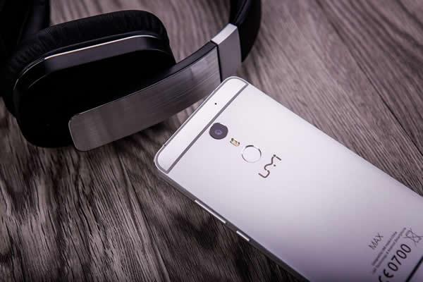UMi Max Smartphone Design