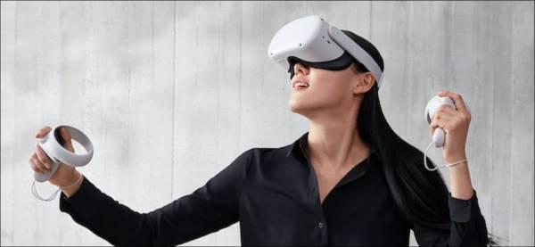 Person Taking A Screenshot In An Oculus Quest 2