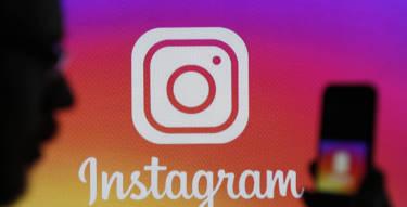 Facebook, Instagram, Whatsapp   - Illustration