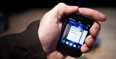 Compact Smartphones